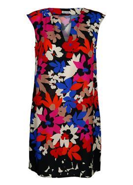 Пляжное платье в современном цветовом сочетании
