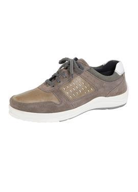 Туфли на шнуровке с модной перфорацией