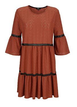 Пляжное платье с вышивкой по всей поверхности