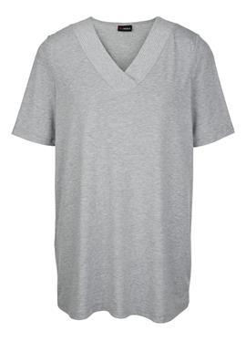 Блузка с feinen Nieten am Ausschnitt