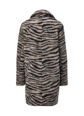 Пальто с анималистическим принтом