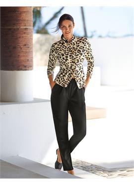 Комфортная куртка с леопардовым принтом