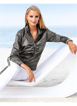 Куртка с узором