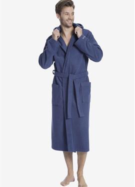 С капюшон - банный халат
