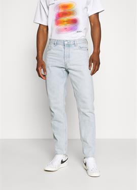 BARREL - джинсы Tapered Fit