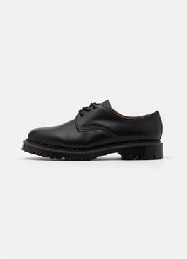 LONDON - туфли со шнуровкой