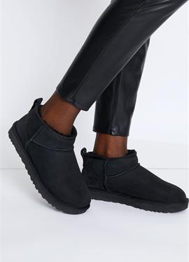 CLASSIC ULTRA MINI - Ankle ботинки