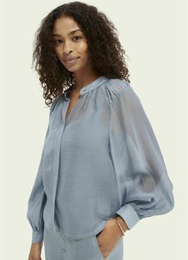 Блузка рубашечного покроя
