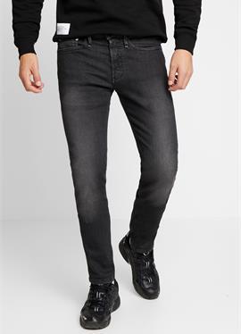 BOLT FREE MOVE - джинсы зауженный крой