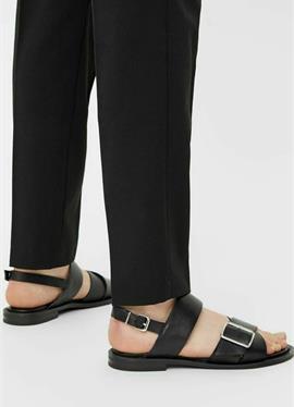 BIADARLA - сандалии с ремешком