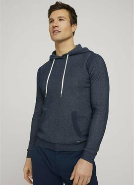Пуловер с капюшоном