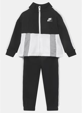HERITAGE SET - тренировочный костюм