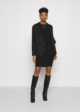 VMFEMI - легкая куртка