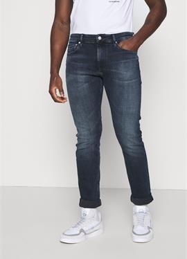 SLIM - джинсы зауженный крой