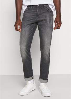 PIERS - джинсы зауженный крой