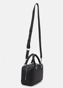 ESSENCE DUFFLE - сумка через плечо