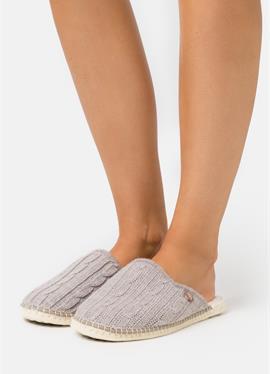 PANTOUFLE CHAUSSON TRESSÉE VEGAN - туфли для дома