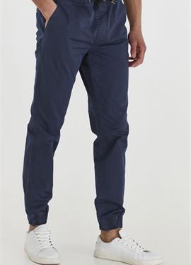 BRADEN - джинсы Tapered Fit