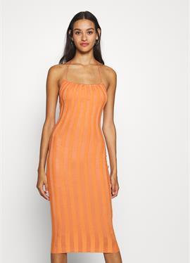 HALTER NECK MIDI DRESS - вязаное платье