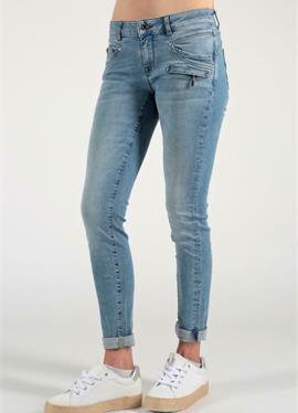 SUZY - джинсы Skinny Fit