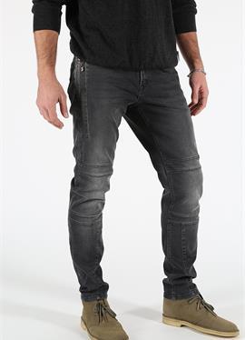ANTONY - джинсы Tapered Fit