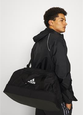 TIRO - спортивная сумка