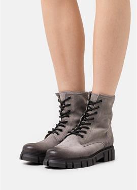 SAURA - полусапожки на шнуровке