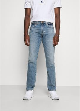 GREENSBORO - джинсы Straight Leg
