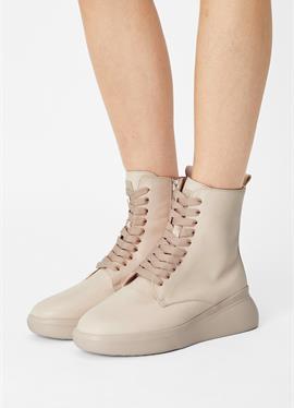WARREN - полусапожки на шнуровке