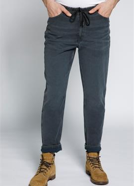 MODERN - джинсы Tapered Fit