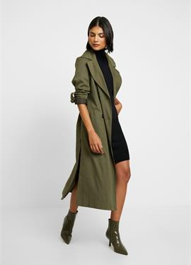 MILASZ ROLLNECK DRESS - вязаное платье