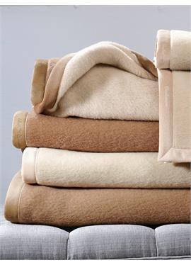 Одеяло размером примерно 100x150 см / примерно 650 г