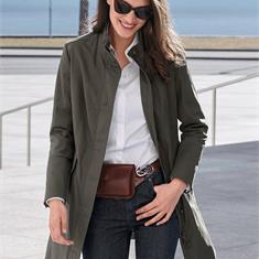 Короткое пальто с воротником-стойкой