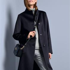 Пальто из кашемира с воротником-стойкой