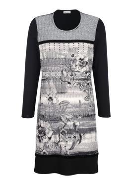 Платье спереди с абстрактным принтом