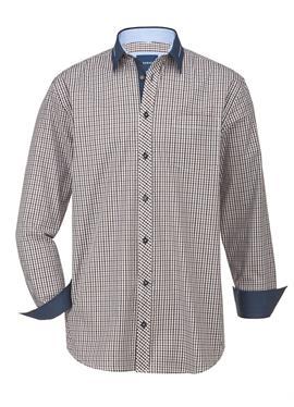 Рубашка с проработанными деталями